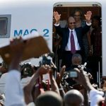 <!--:en-->Haitian President Jean-Bertrand Aristide's Amazing Speech as he Returns Home, Defying U.S. Demands<!--:--><!--:fr-->Premier discours d'Aristide<!--:-->