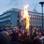 <!--:en-->Iceland Declares Independence from International Banks<!--:-->