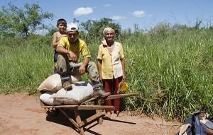Paraguayan_farmers