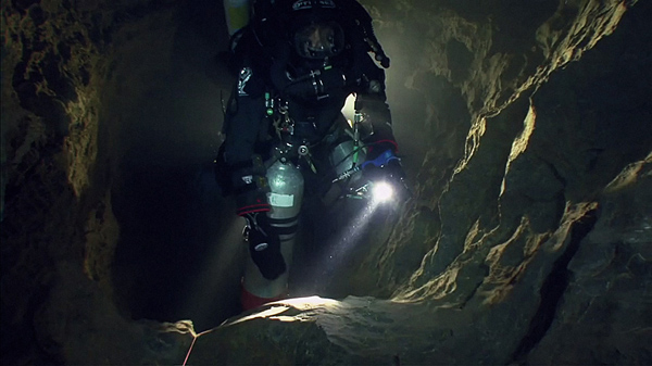 how to get to dr earnhardt cave