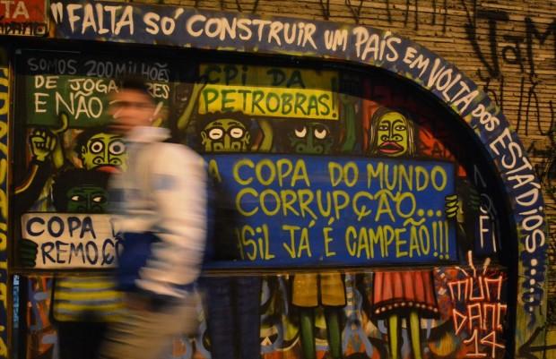 07_SoccerGraffiti