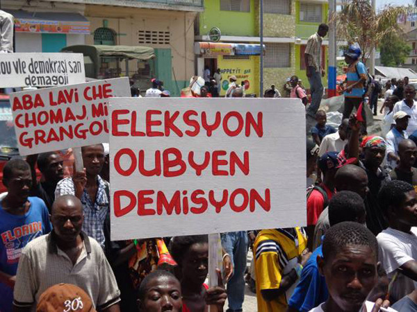 Protest in Cap Haitien against the Martelly-Lamothe regime, August 14, 2013 (Photo credit: Tout Haiti).