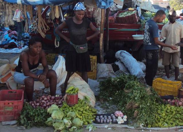 Mercado-binacional-Pedernales