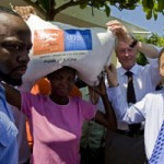 <!--:en-->United Nations Challenged About Bill Clinton's Immunity in Haiti<!--:-->