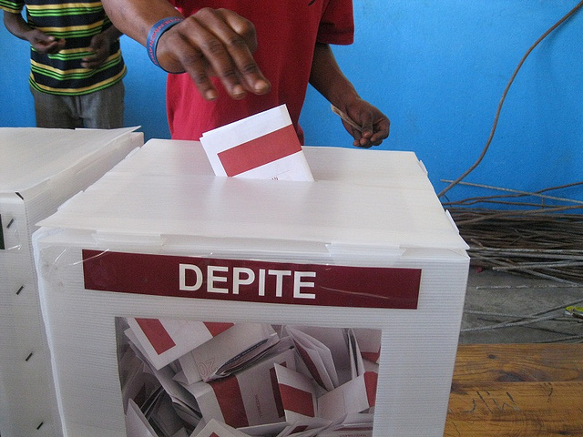 Assistant Secretary General Visits Haiti on Election Day
